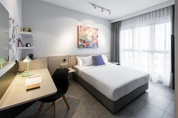 1 bedroom, premium bedding, pillow top beds, in-room safe