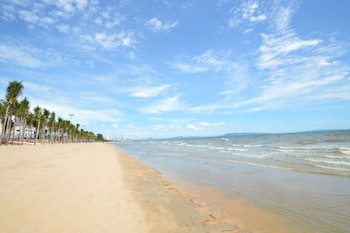 On the beach, beach shuttle, beach massages, 5 beach bars
