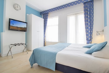 Cofres nos quartos, berços (sobretaxa), Wi-Fi de cortesia