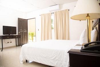 Camas supletorias (de pago), wifi gratis, ropa de cama