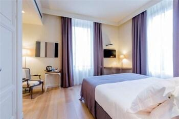 Daunenbettdecken, Minibar, Zimmersafe, Schreibtisch