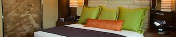고급 침구, 책상, 다리미/다리미판, 무료 유아용 침대